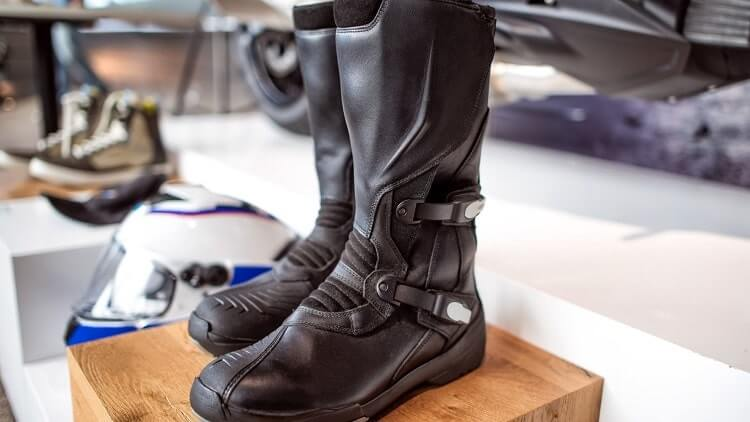 Best Riding Shoes For Motorcycle